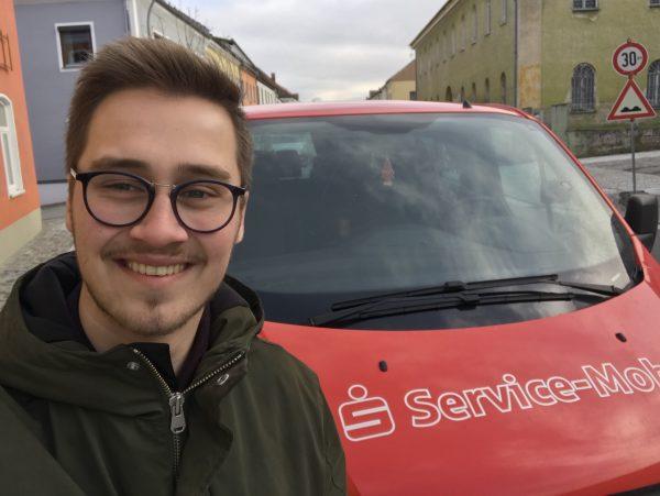 Unterwegs mit dem Sparkassen Service-Mobil