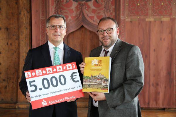Sparkasse fördert das Oberhaus-Jubiläum