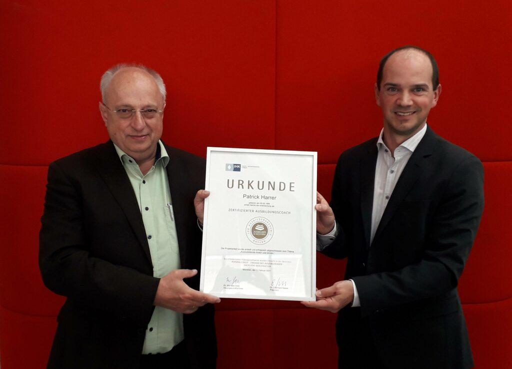 Ausbildungsleiter der Sparkasse Passau mit IHK Zertifikat