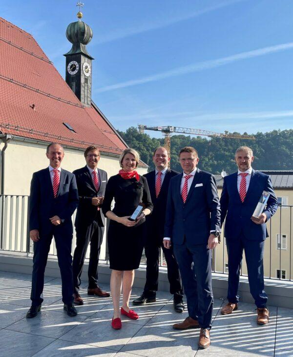 """BayernLB verleiht """"Förderprofi 2020"""" an Sparkasse Passau"""