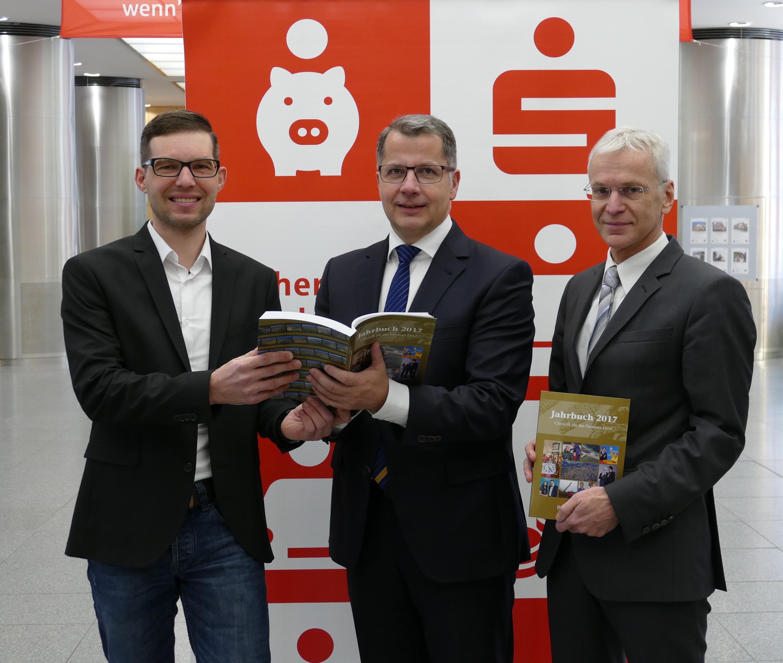 Sparkasse Passau verlost Jahrbücher