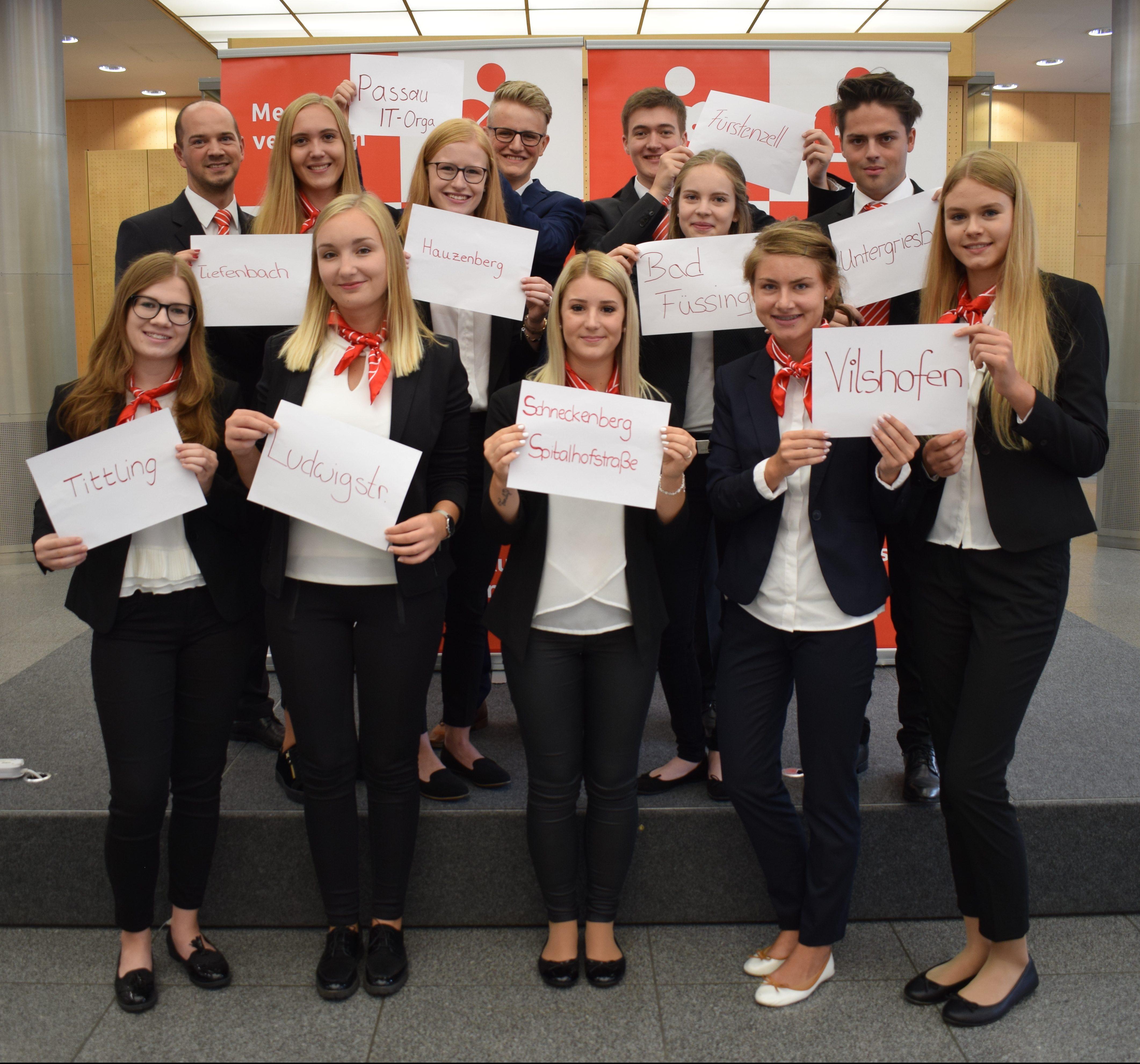 11 neue Auszubildende in der Sparkasse Passau