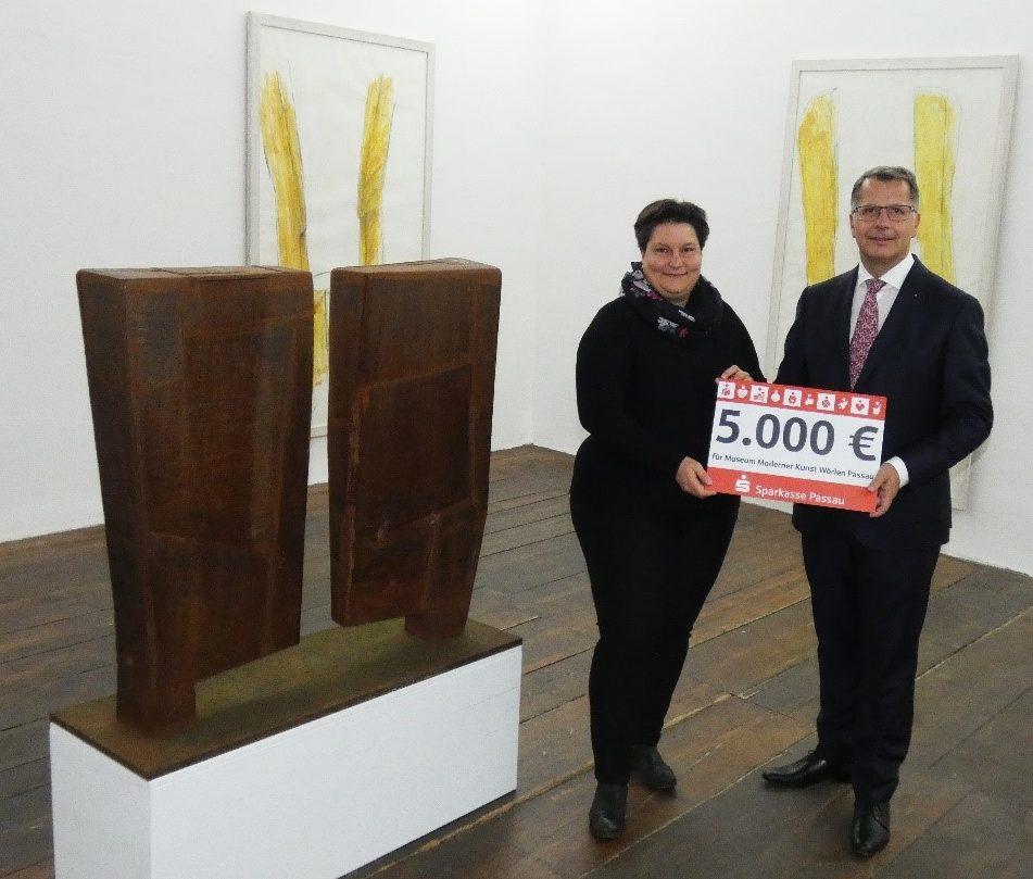 5.000 € für das Museum Moderner Kunst