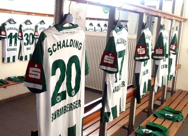Neue Jugendaktion mit personalisiertem Trikot des SV Schalding-Heining e.V.
