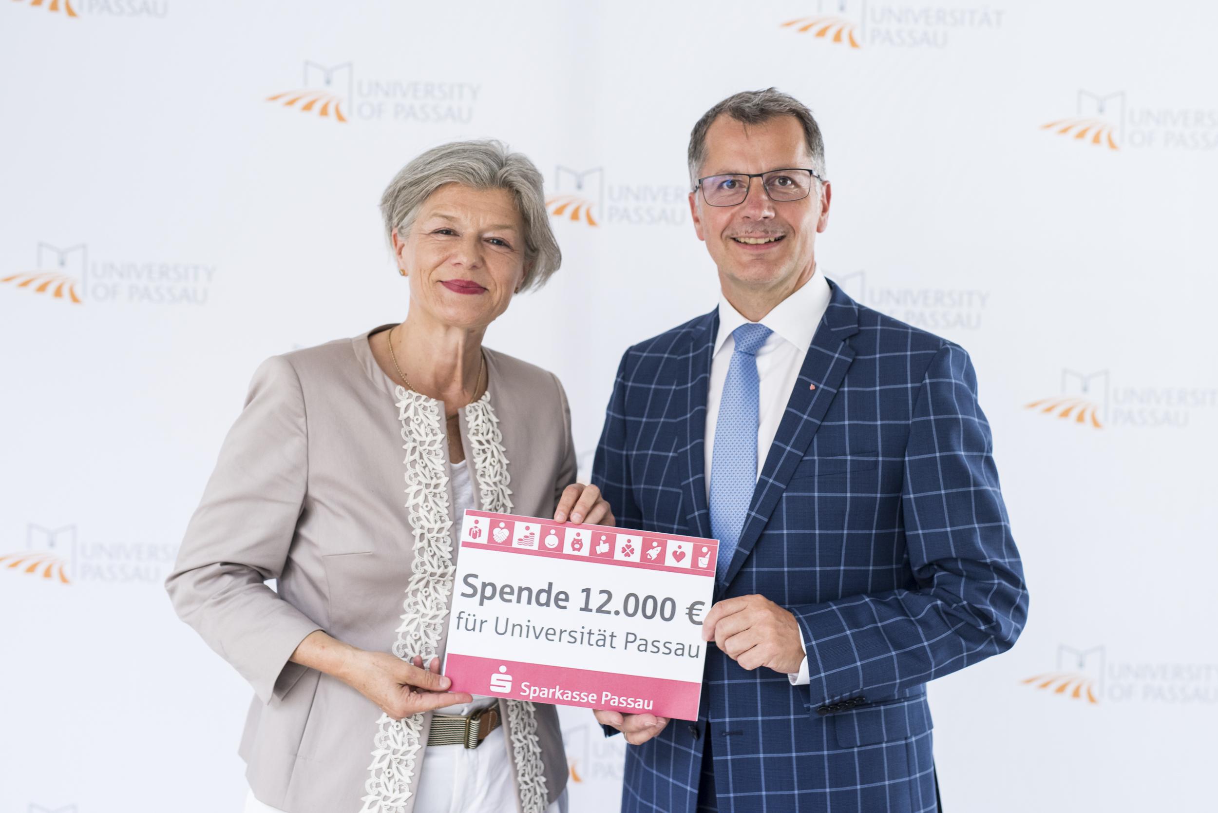 Sparkasse Passau fördert die Universität